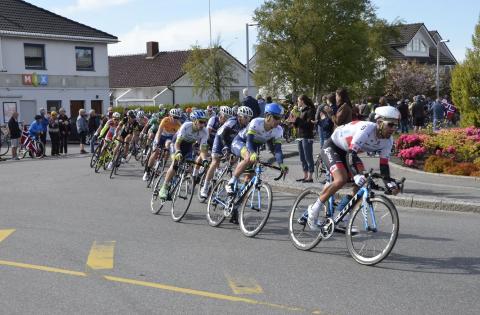 Full fart: Årets Tour des Fjords vil sykle gjennom Randaberg sentrum. Her fra sykkelrittet i fjor.
