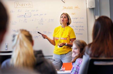 """FREMTIDEN MED HØYRE: """"I fjor underviste jeg selv i matematikk i sommerskolen i Oslo"""" skriver Kristin Vinje (H)."""