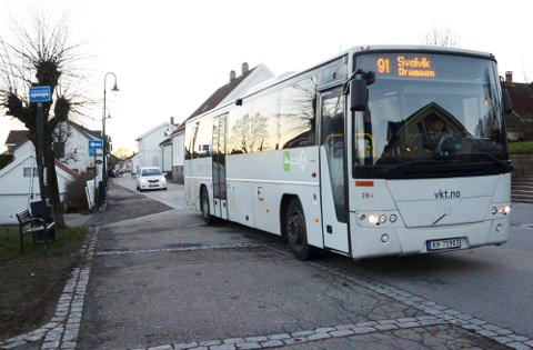 Blir borte: Om vel fire uker er det slutt for den gjennomgående bussruten mellom Svelvik og Sande hver time. Samtidig legger Brakar sin endestopp ved Berger skole. Det betyr at rundt 1.000 personer på Berger mister sitt busstilbud.