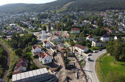 STØY: Her, i Nedre Strøm, spuntes det i forbindelse med ny løsmassetunnel. Det skaper en del støy i området.