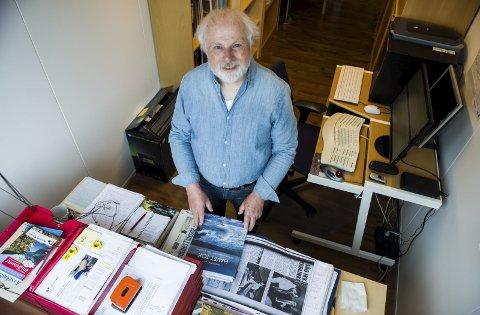 NY BOK OM BÅTAR: Fagbokforfattar  Magnus Helge Torvanger har skrive den heilt spesielle historia om «Sunnfjord» og «Sognefjord», ruteskipa som starta tilveret som krigsfartøy, men som enda med å bitte saman folket Bergen og Sogn og Fjordane.