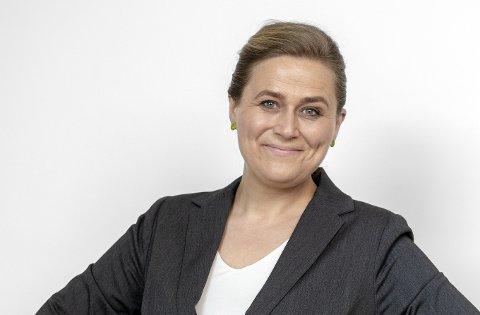 FEKK PRIS: Olaug Nilssen frå Førde har skrive boka som blei NRK P2-lyttarane sin favoritt.