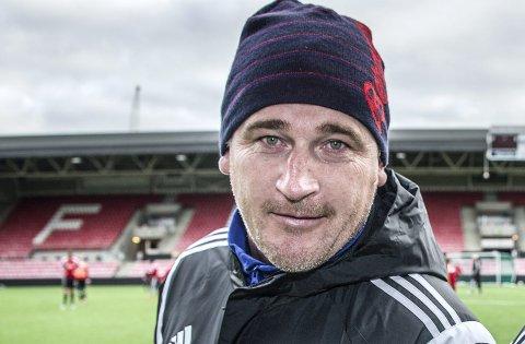 FORNØYD: Trener Lars Petter Hansen var stoilt av sitt lag etter onsdagen seier på Nedderud.