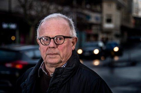 Thomas Jacobsen, styreleder i Taxisentralen AS, gjør alt han kan for å få bukt på pirattaxi-kjøringen.