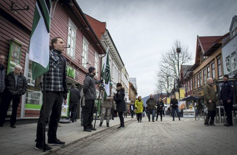 Motstand: Fredriksstad Blad støtter motdemonstrasjonen mot nynazistenes marsj 29. juli både i ord og handling.