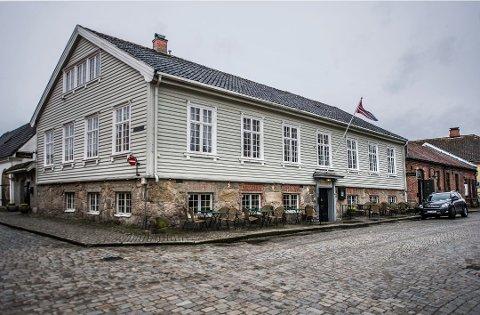 Da koronaviruset sørget for å stenge ned Norge i mars, skjønte eierne av Gamlebyen Gjestgiveri at det ikke var håp.