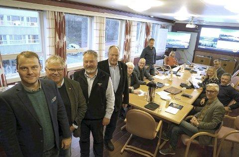 Narvik og Mo : Svein Tor Nordhagen (nærmest), Tor Arne Strøm, Rune Arnøy og Karstein Sandvik fra havnene i Mo og Narvik, har tatt styringen når de to industribyene vil markere seg sterkere i Nordland.
