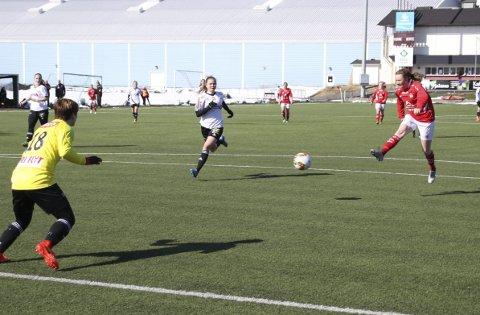 Scoret to: Trine Håvardsen scoret to mål i 5–2 seieren. BeggeFoto: Mikael Marius Brendvik