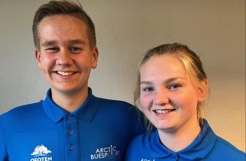 Torje Ludviksen med sine 541 poeng, og Amalie Storelv med sine 561 poeng, presterer de norsk rekord i recurve rekrutt mix lag.