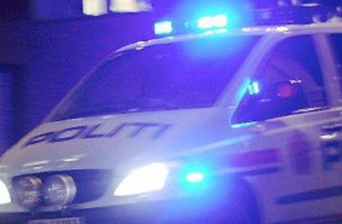 PÅ FELGEN: Selv om det ene dekket var borte prøvde mannen å kjøre fra politiet.