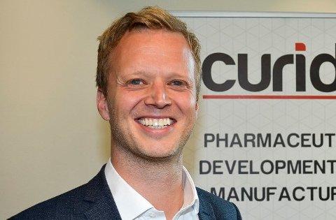 Administrerende direktør Leif Rune Skymoen i legemiddelprodusenten Curida på Elverum skal ansette inntil 50 nye ansatte de nærmeste årene. Ekspansjonen skyldes en stor eksportkontrakt som ble inngått i fjor, og nå har selskapet fått en statlig lånegaranti som gjør at de kan gjennomføre utvidelsen.