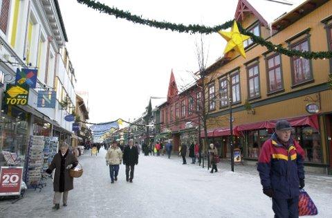 I ELLER PÅ: Julegata, i eller på Lillehammer?    Ill.foto: Torbjørn Olsen