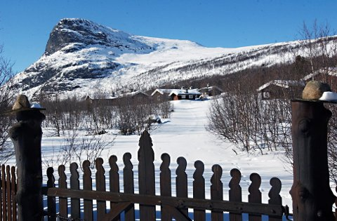 PRINSEHYTTA: Det kongelige feriestedet i Sikkilsdalen. Hoffet planlegger nå flytting av det kongelige naustet i Sikkilsdalen.