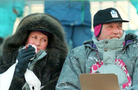 Kongeparet var til stede under Vinter-OL på Lillehammer i 1994. Hvorvidt de finner fram de offisiell OL-klærne til 25-årsjubileet vites ikke.  Foto: Jan Greve