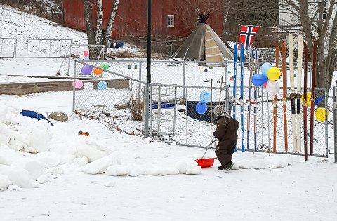 SNØ I GAVE: Snøen fra skirennet i Brandbu sentrum fikk nytt liv.