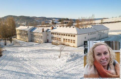 TIL SALGS: Tidligere Solvang skole er lagt ut for salg.