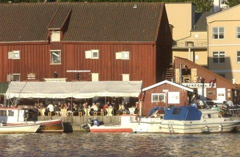 VIL FISKE PÅ HELTID: Rune Midtlien vil fiske på heltid og overlate driften av Rekekafeen til andre. Arkivbilde.