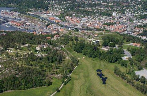 FRAMGANG: – Det er ikke overraskende at Halden med blant annet Høgskolen i Østfold og Smart Innovation Norway-miljøet scorer høyt på kompetansescoren, sier regiondirektør i NHO, Roald Gulbrandsen, om Haldens resultater i Kommune-NM.