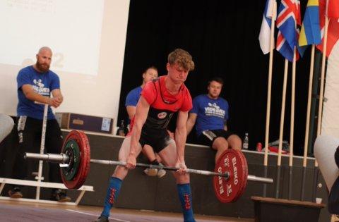 MESTER: Daniel Andersen Nilsen ble i helga nordisk juniormester i styrkeløft.