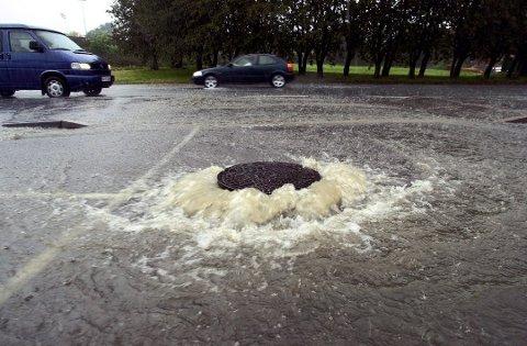 Det er ventet tidvis kraftig regn over Østfold fredag.