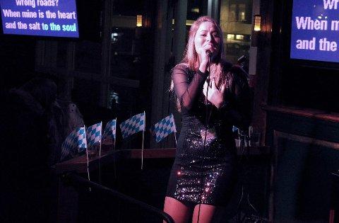 INNLENDINGER: To innlendinger kan komme seg til NM-finalen i karaoke. Og to nasjonale vinnere tar seg til Tokyo.