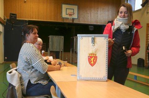 På Rud skole i Rælingen ble det stemt på  kommunesammenslåing mellom Rælingen og Skedsmo. Foto: Vidar Ruud / NTB scanpix