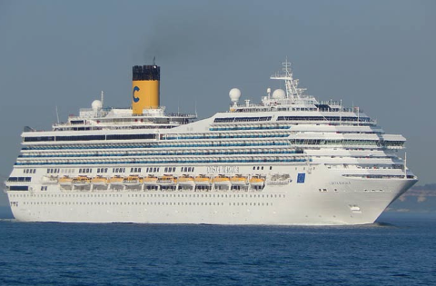 "MAGISK? ""Costa Magica"" har med seg 3.400 passasjerer til Haugesund."