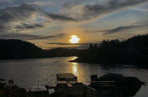 MILDT: Sol over Eivindsvatnet i Haugesund. Vi har hatt en september som har vært varmere enn normalt.