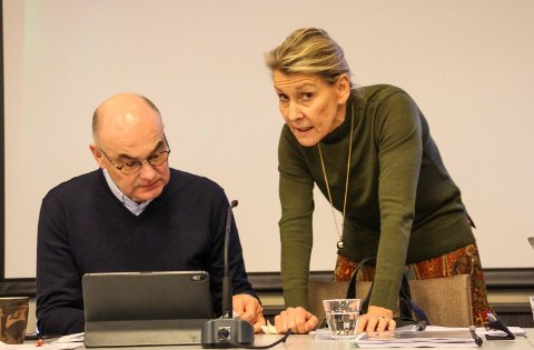 Dag Hårstad og Hulda Gunnlaugsdottir er enig om veien videre for Helgelandssykehuset.