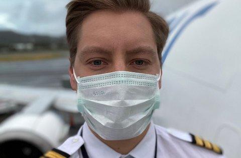 Pilotene regnes som kritisk personell og hotellene de bor på blir stengt av for alle andre utenom pilotene.