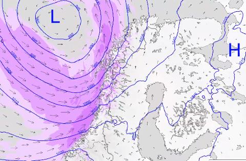 På Twitter melder meteorologene om at et hissig lavtrykk gir slutt på finværet i Nord-Norge.