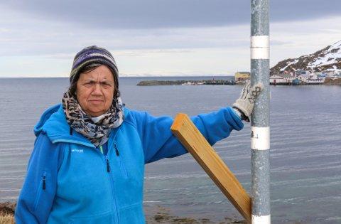HAR VENTET LENGE NOK: Ruth Pedersen forteller at Dyfjord ble lovt tryggere vei allerede i 2004.