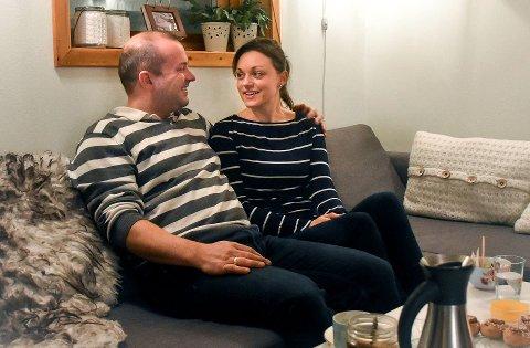 JEHOVAS VITNER: Thomas og Serine Fauskanger bor i Rypefjord. Når de ikke er på jobb går tiden med til forkynnelse og bibelstudier.