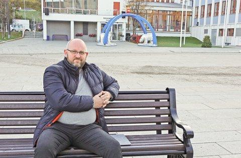 BER TIL FYLKESKOMMUNEN: Direktør Espen Hansen i Næringsforeningen reagerer sterkt på kuttforslag i båtrutene i Vest-Finnmark. Foto: Christel B. Jorilldatter