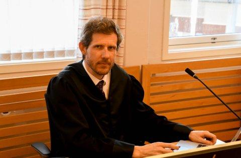 OMFATTENDE SAK: Aktor Thomas Darell hadde mye å gå igjennom i retten.