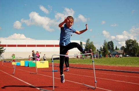 Første uka i skoleferien inviteres barn til idrettslek ved AHF-banen på Bjørkelangen.