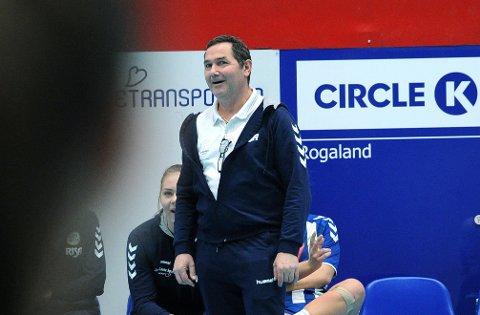 FORDELT BILLETTER: De 75 cupfinalebillettene som Nærbø har fått tildelt, blir fordelt til spillerne, folk innad i klubben og sponsorer.