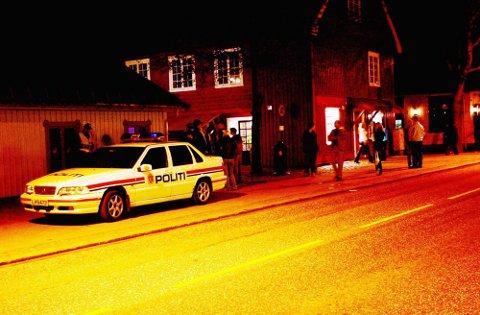 FYRTE SEG OPP: Den unge mannen fra nordre Vestfold mistet besinnelsen da politiet pågrep ham under byturen i Tønsberg. (Illustrasjonsfoto)