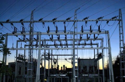 Billigere. Varmegrader og mye regn fører til lavere strømpriser i i vinter.