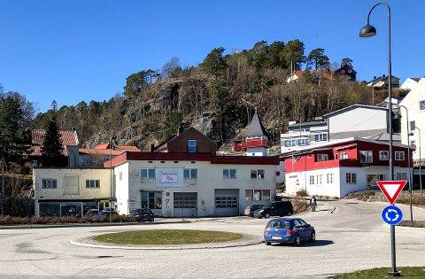 Snart er dette borte. Her ble Vestmar Margarinfabrikk bygget og etablert høsten 1934.