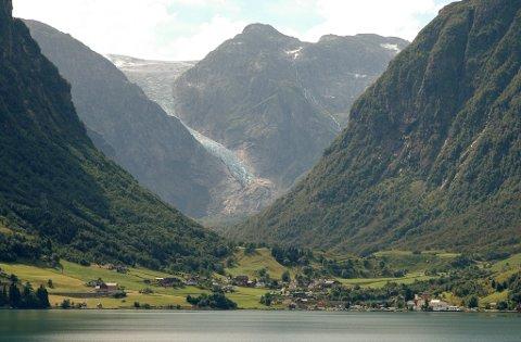 Sundal sett frå Gjetingsdalen. (Arkivfoto).
