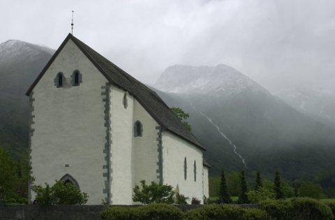 Mellomalderkyrkja i Rosendal er av årsakene til at katolikkane vert oppmoda til å besøka Rosendal i sommar.
