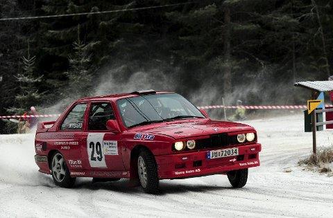 TIL START: Jan Egil Halland og Anders Nygård varmer opp til Numedalsrally med rallysprint i Flesberg.foto: hostvedt