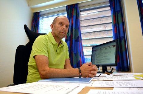 BEKYMRET: Rune Antonsen, rådmann i Nore og Uvdal kommune, er bekymret for fremtiden til Nore og Uvdal.  Nore og Uvdal står foran flere store økonomiske utfordringer de nærmeste årene.
