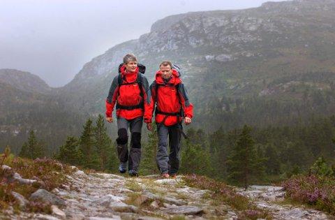 Til helgen kan vi følge i fotsporene til gode orienteringsløpere fra Kongsberg, blant andre BritVoldenog Øyvin Thon.
