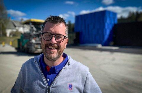 Snart ett år siden: Sander Adriaanse, kjøpmann for Rema-butikken Lampeland, fotografert i forbindelse med åpningen i 2020.