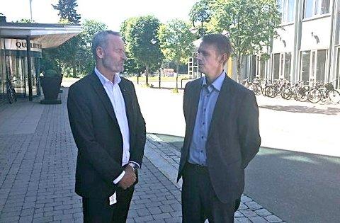 Hans Petter Blokkum, konserndirektør HR, og Ørjan Stengelsrud, stabsdirektør, er på jakt etter hundre nye softwareutviklere i Kongsberg Defence & Aerospace. Men det kan bli vrient å få tak i.