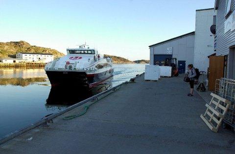 Hurtigbåten til og fra Skrova er et populært tilbud, i følge innbyggerforeningen på øya.