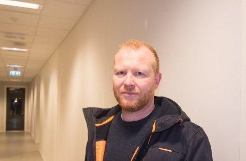 BEKREFTER: Lensmann Jan Terje Aas bekrefter at en lyngdalsgutt sitter i avhør om en svært alvorlig voldssak fra Lyngdal.