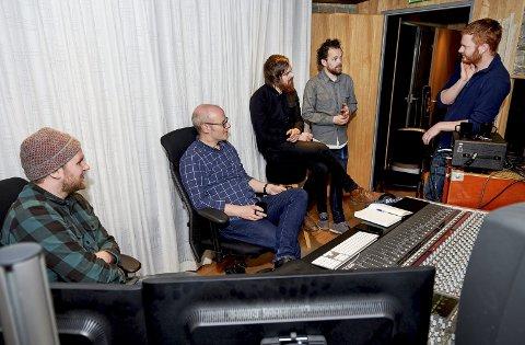 Ny plate: Trondheimsbandet Soup får hjelp fra Skottland på det nye albumet. Fra venstre: Jan Tore Megård, Paul Savage, Espen Berge, Ørjan Jensen Langnes og Erlend Aastad Viken. FOTO: BJØRN TORE NESS